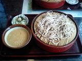 昼食は山芋蕎麦