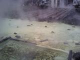 湯煙に包まれる湯畑