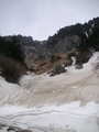 姥湯温泉近くの雪渓